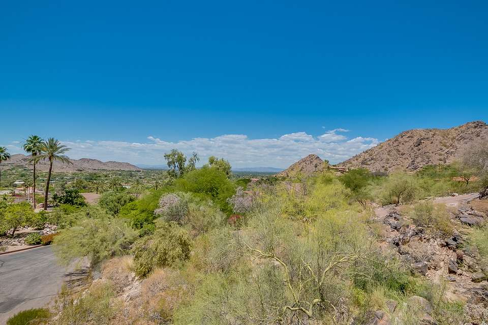 Red Hawk Property Management near Paradise Valley
